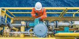 Vantagens da manutenção preventiva, técnico em plataforma de petróleo